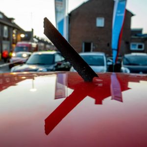 Accident in the Netherlands: Fragments of a plane fall from the sky - two wounded! - News abroad
