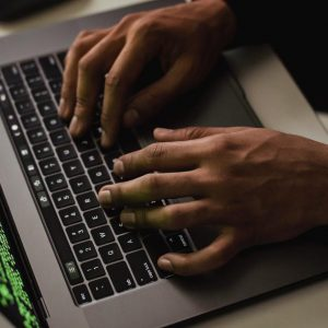 Malware infects Mac computers with M1 processors