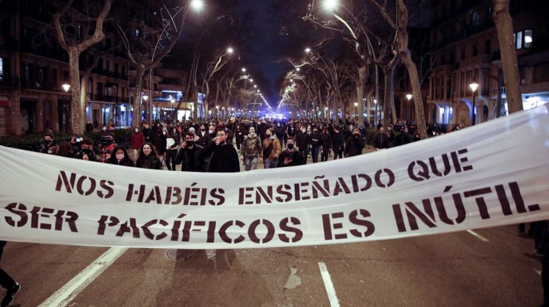 Spain: Riots again to protest the arrest of Pablo Hassel
