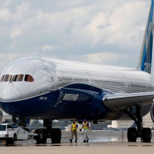 "US air traffic control orders searches of Boeing 787 ""Dreamliner"""