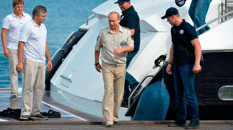Vladimir Putin: It is said that billionaires bought residency in the Crimea