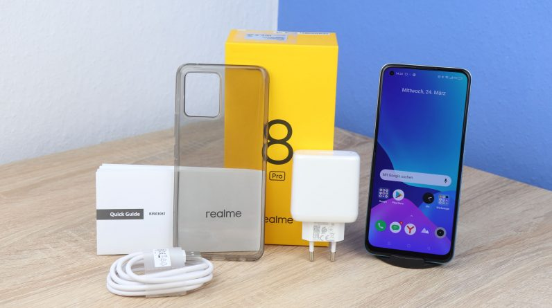 Realme 8 Pro - made the first impression of the Redmi competitor