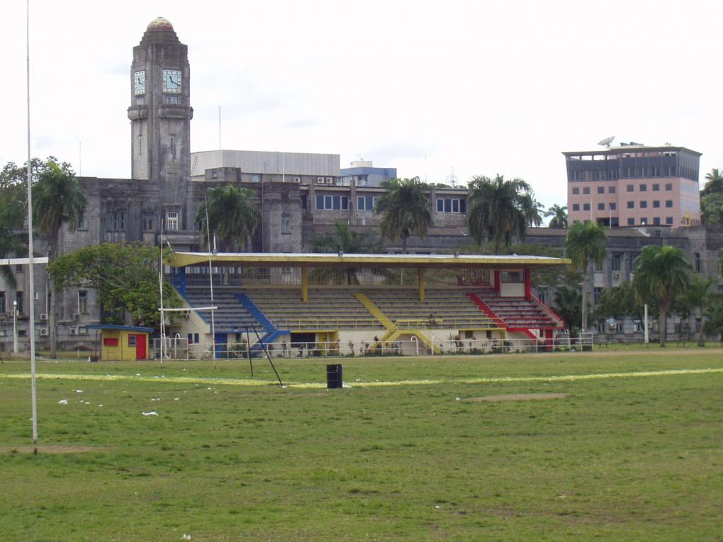 Two rugby matches can be played simultaneously in Albert Park.