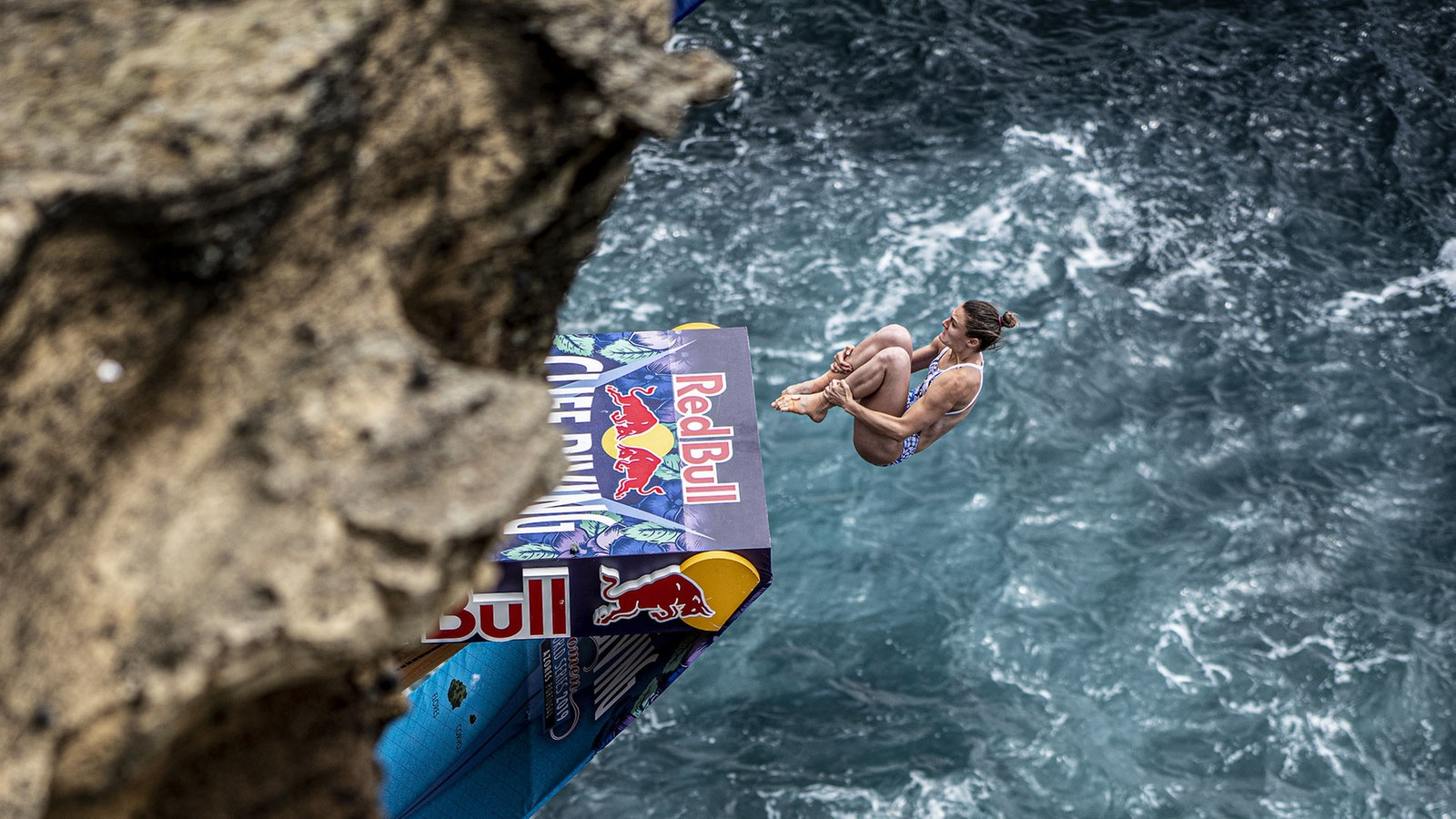 Diver Cliff Iris Schmidbauer - stuck at the other end of the world - more sport