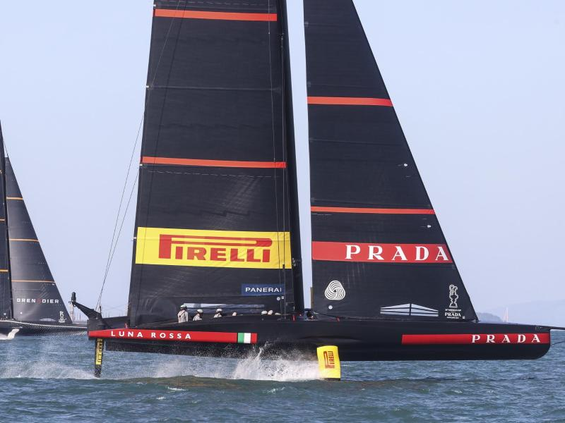 Italy and New Zealand match in America's Cup - sport
