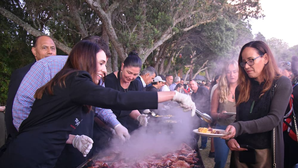New Zealand Celebrates Unlocked Barbecue, Masks And New Coronavirus Cases