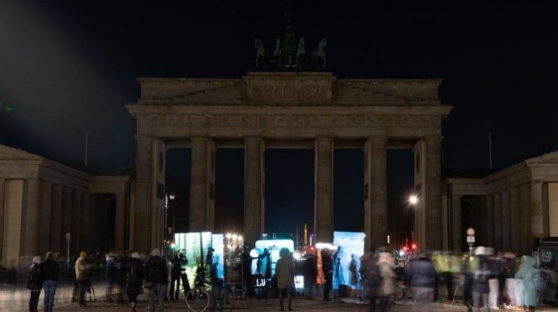Turn Off the Lights for Climate - Earth Hour around the world   Free Press