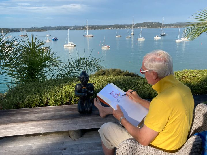 Sitting on the Bay Wharf: Helmy Heine performs while painting in New Zealand (March 30, 2021)