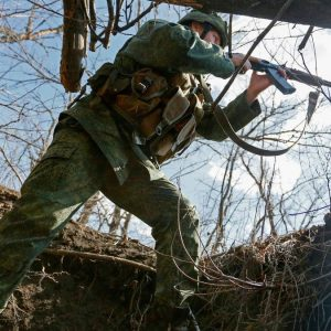 NATO warns Russia of further escalation in Ukraine