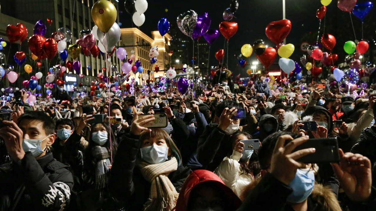 Corona New Year's Eve in the world: Wuhan celebrated as if nothing had happened - politics abroad