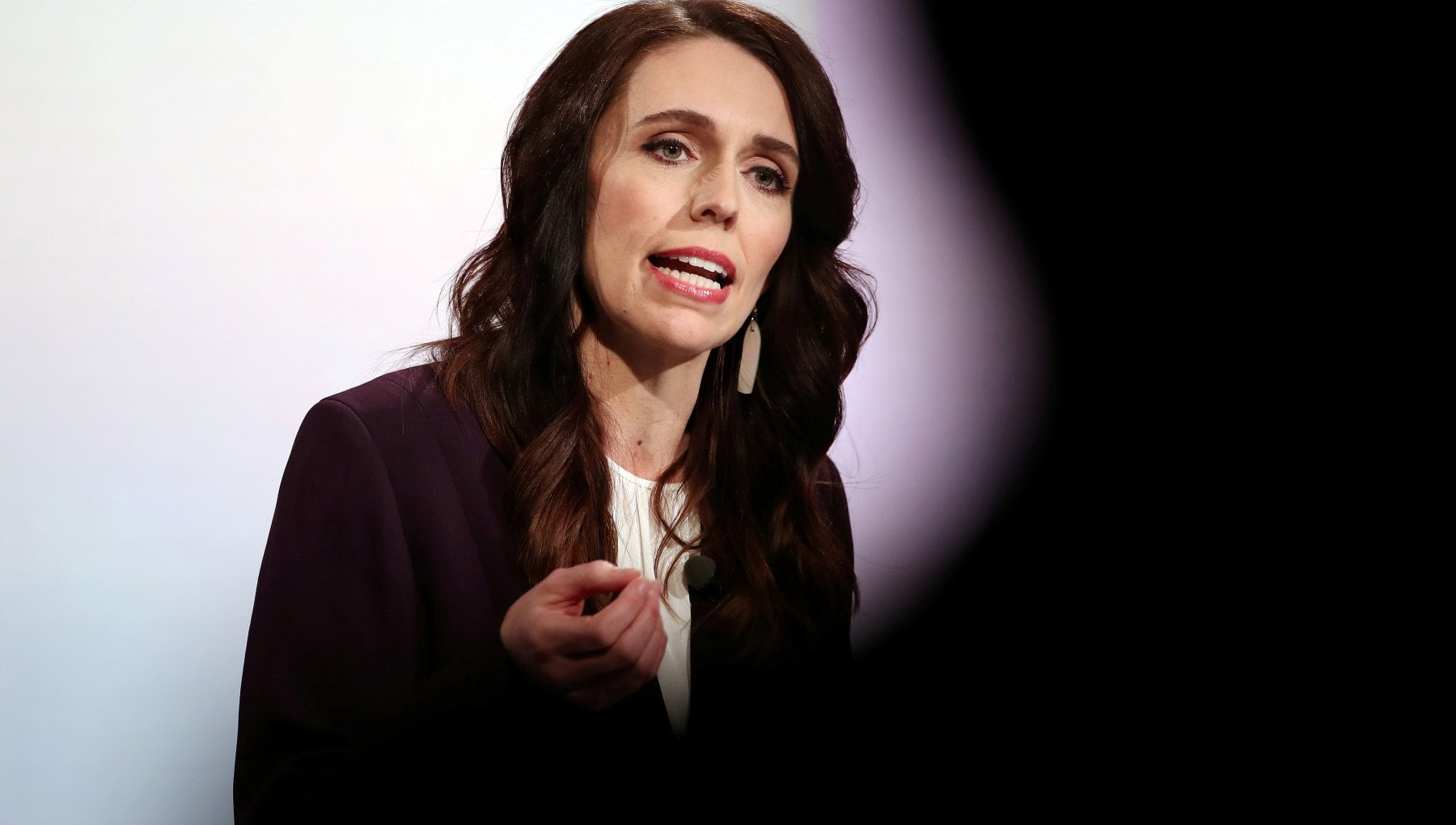 The New Zealand Prime Minister's Final Step: Increase the Minimum Wage and Taxes for the Rich