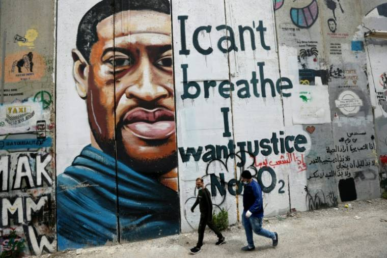 A mural of African-American George Floyd on the separation wall in Bethlehem, West Bank, March 31, 2021 (AFP / Emmanuel DUNAND)