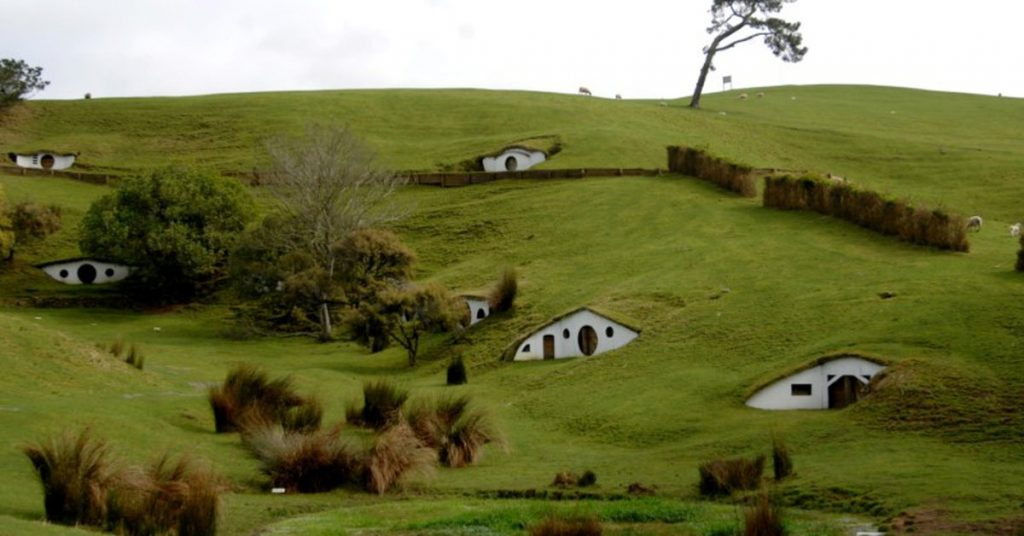 """New Zealand awards Amazon an additional 116 million grant for the """"Lord of the Rings"""" TV series"""