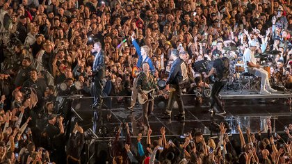 The tour began in December and consisted of seven shows, with an Unthinkable Close (AP).