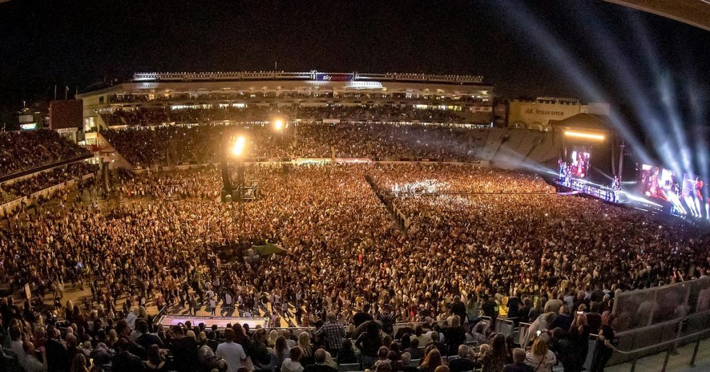 World's biggest concert since the outbreak of the pandemic: 50,000 people enjoyed a show in New Zealand
