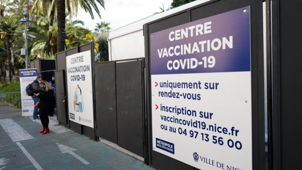 Direct - Due to a lack of volunteers, the Nice vaccination center is closing its doors