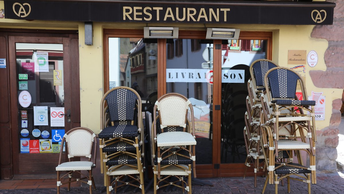 Fury in France: Did Ministers Dine at Illegal Dinner?