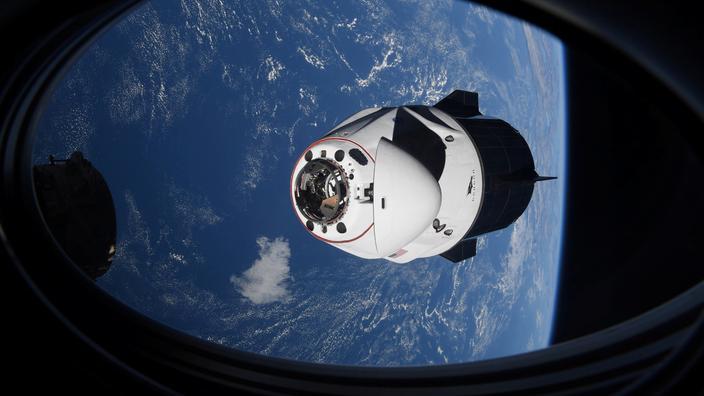 La capsule Crew Dragon, où Thomas Pesquet résidait avant son transfert dans la Station spatiale internationale.