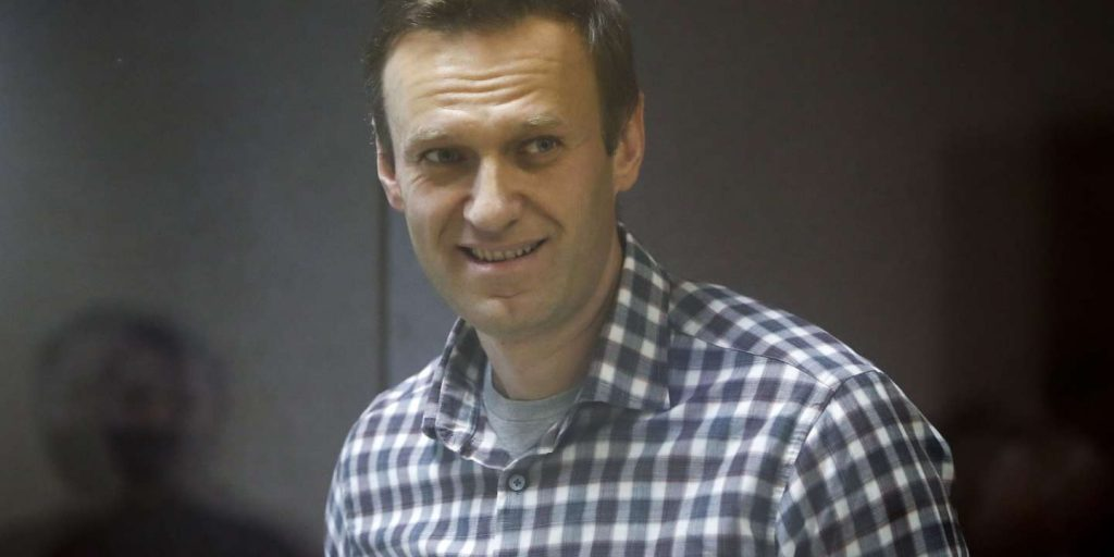 Relatives and doctors of Alexei Navalny fear for his life