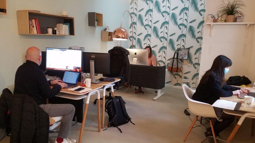 Avec l'avancée des vacances scolaires, l'espace de coworking Le Studio à Rouen accueille de nouveaux clients.