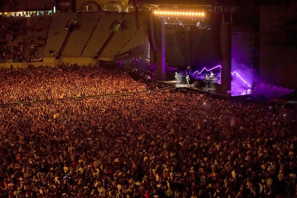 In Nuova Zelanda primo concerto per 50000 persone senza mascherina