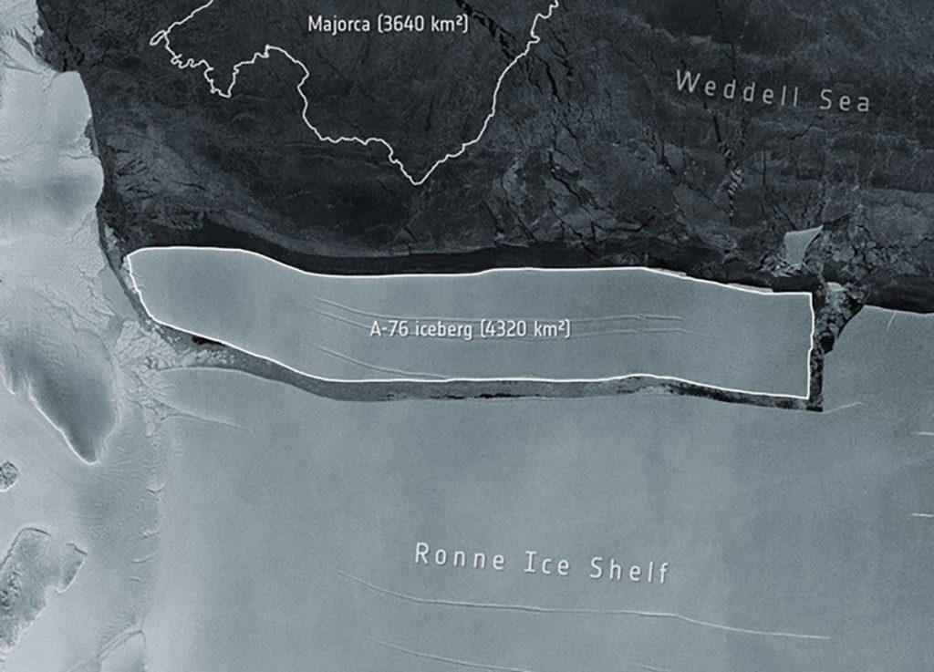 Antarctica, a record iceberg appeared.  New Zealand: Let's rebuild the base