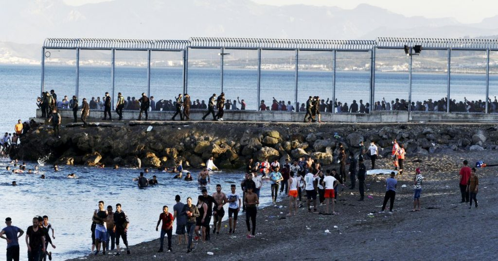 In Ceuta, a large number of immigrants arrive against the background of tensions between Spain and Morocco - Liberation