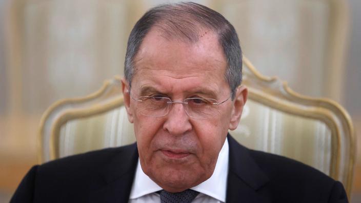 Le décret est publié à quelques jours de la première rencontre entre le chef de la diplomatie russe Sergueï Lavrov et le secrétaire d