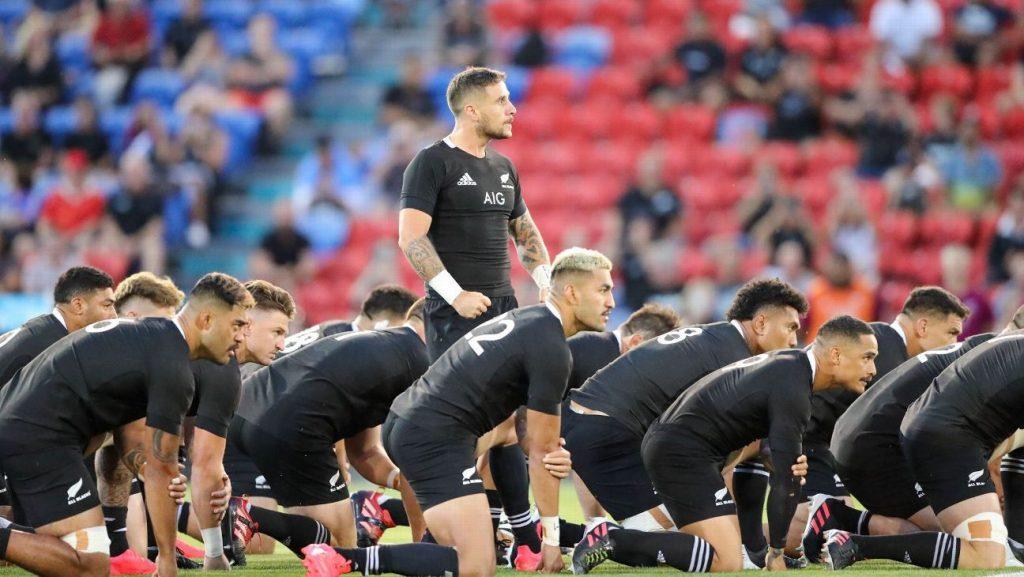 TJ Perenara returns to New Zealand