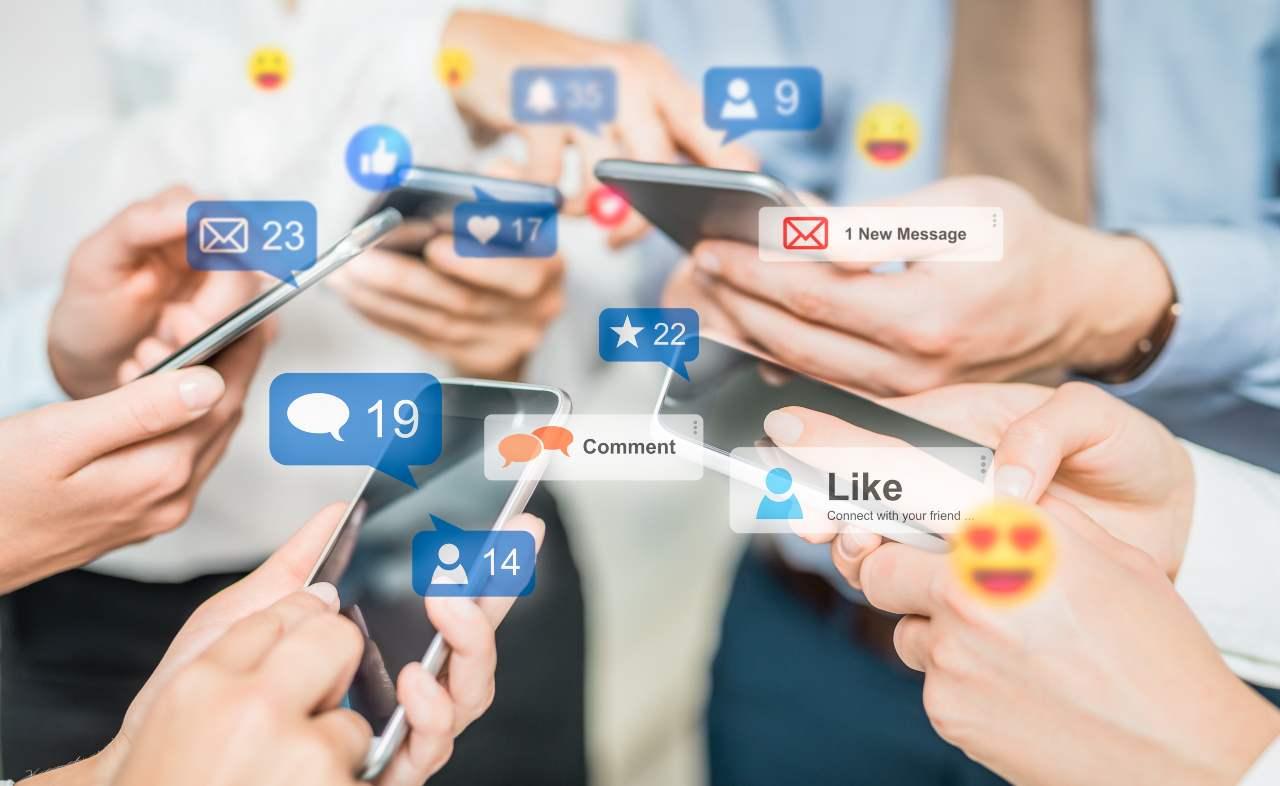 earn social network