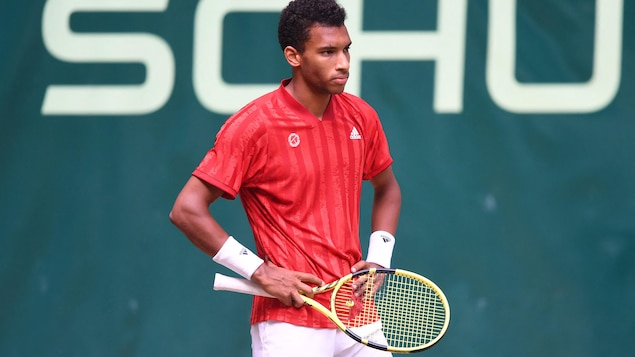 He defeated Auger-Aliassime in the semi-finals at Halle, and Shapovalov also lost in Queens.