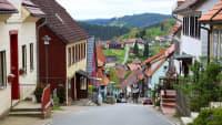 Look at the steep Herrenstrasse in Sankt Andreasberg with its colorful houses