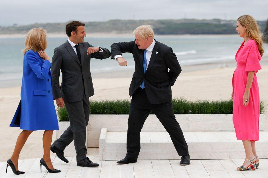 Emmanuel and Brigitte Macron met the G7 members in person