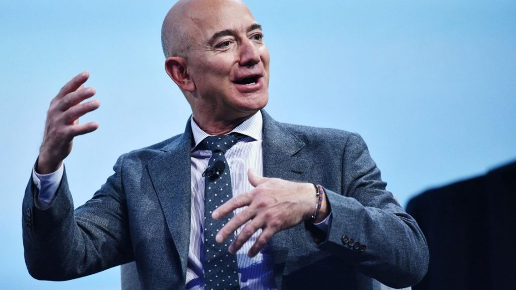 Jeff Bezos participates in the first space tour for Blue Origin