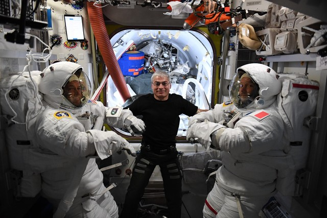 Spacewalking by Thomas Pesquet and Shane Kimbrae