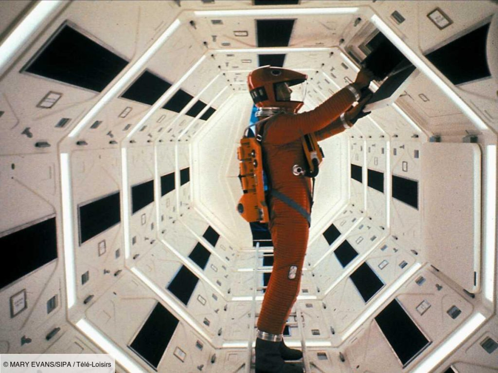 Top 10 Movies Set in Space: 2001, Alien, The Empire is Decline...