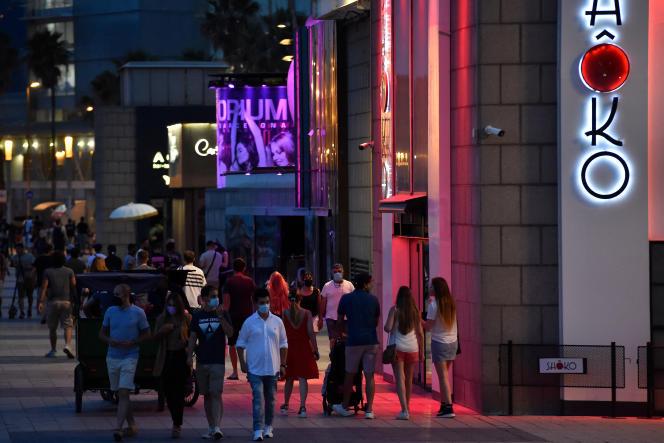 In front of a nightclub in Barcelona, June 26, 2021.
