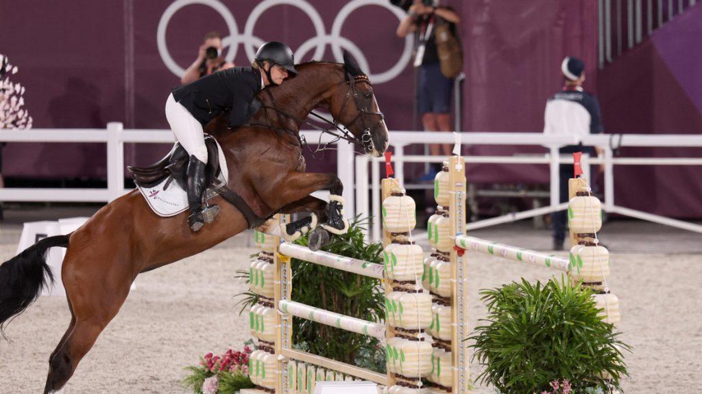 Julia Krajewski aus Deutschland auf Amande de B`Neville holt Gold. Alle bisherigen Ergebnisse für Deutschland im Reiten bei Olympia 2021 im Überblick. Wie viele Medaillen holte das deutsche Team im reiten bisher?