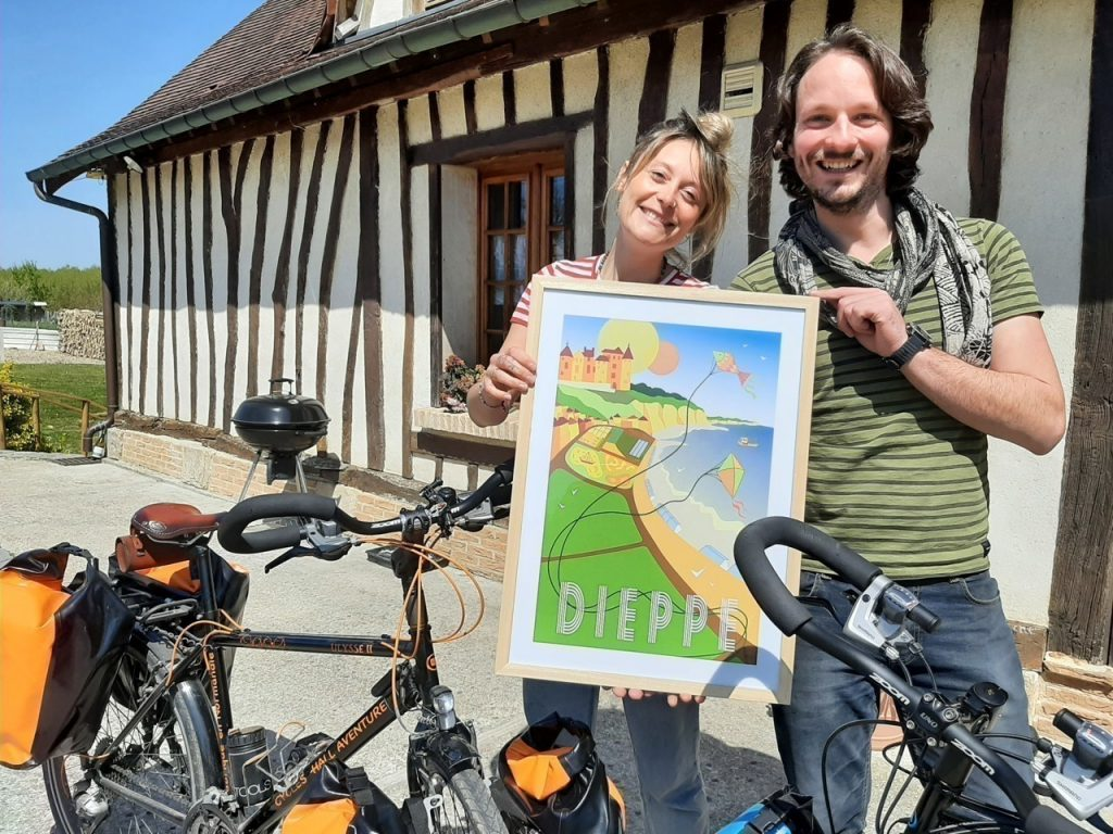 Marie and Maxime Dieppe leave by bike to sail to New Zealand
