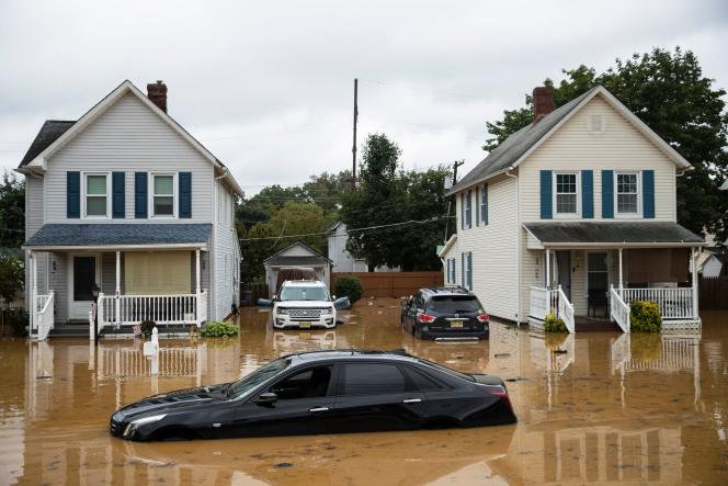 Floods hit parts of the northeastern United States as Storm Henry passed, like this residential neighborhood in Helmita (New Jersey) on August 22, 2021.