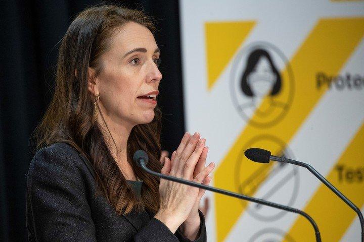 New Zealand's prime minister begins easing measures against coronavirus.  Photo: AP