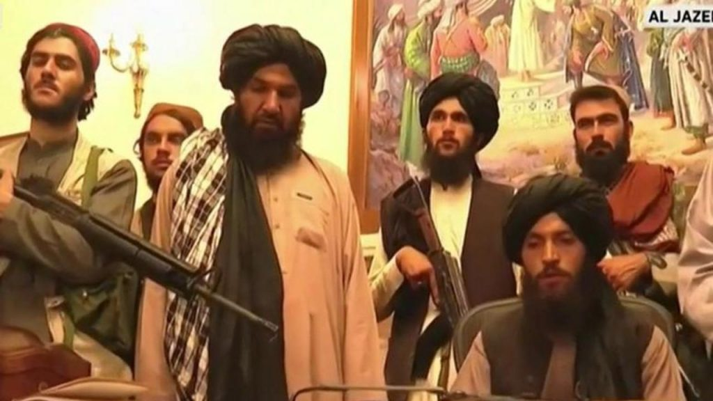 Afghanistan: Taliban cry victory from the presidential palace in Kabul