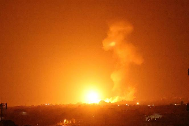 An Israeli air strike on the city of Khan Yunis in the Gaza Strip, on the evening of Monday 23 August.