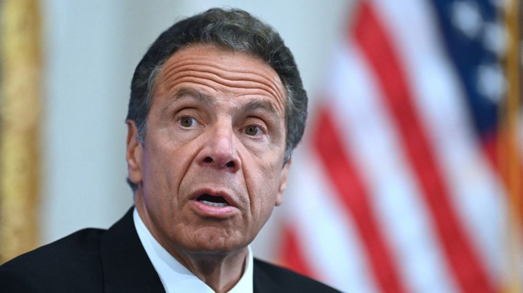 Joe Biden calls for the resignation of New York Governor Andrew Cuomo, accused of sexual harassment