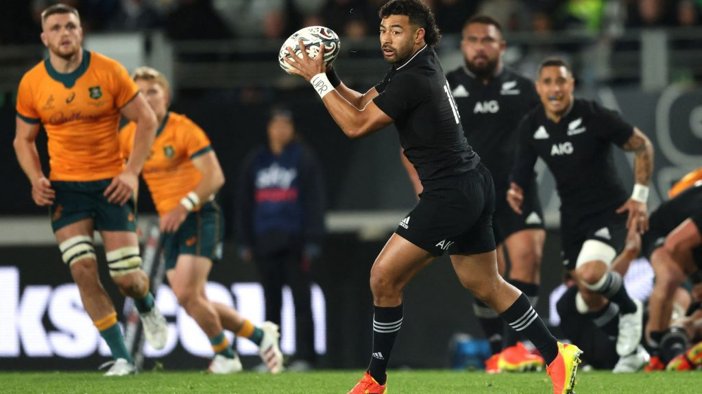 New Zealand sweeps entry to Australia