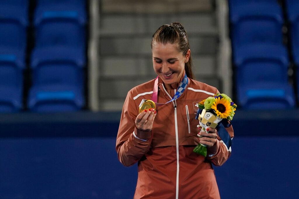 Switzerland wins gold in women's tennis in Tokyo