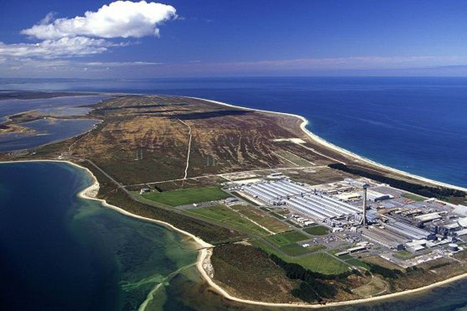 In New Caledonia as in New Zealand, fight for manufacturers