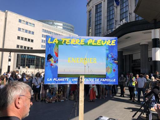 Climate protesters sounded the alarm again in Brussels