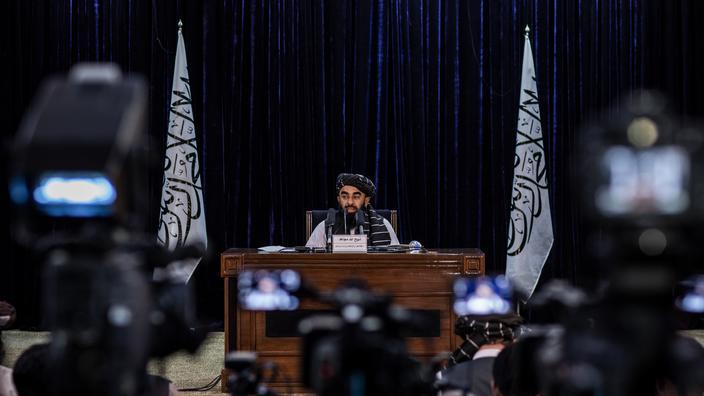 Kaboul, le 21 septembre 2021. Le porte-parole du gouvernement taliban, Zabihullah Mujahid, lors d