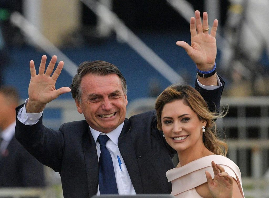 Jair Bolsonaro's wife was vaccinated in the United States, criticism rains